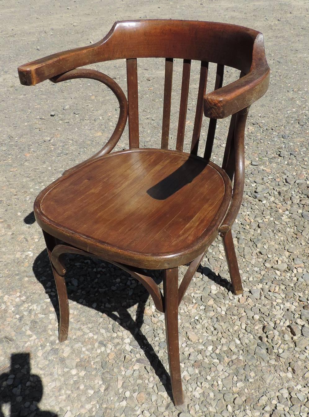 fauteuil de bistrot brocanta. Black Bedroom Furniture Sets. Home Design Ideas