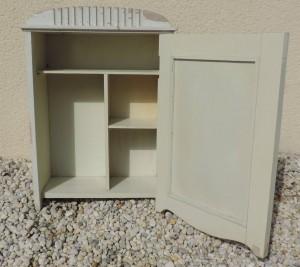 armoire à pharmacie  II